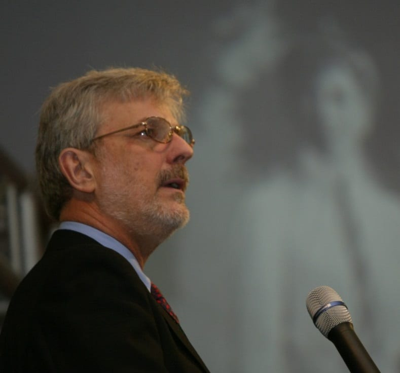 Dr. Ricardo Javornik